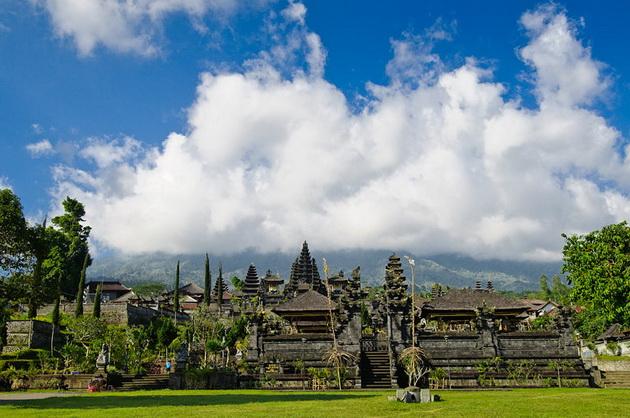 Храм Пура Бесакіх на Балі (11)