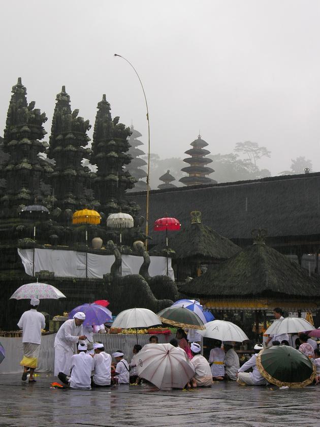 Храм Пура Бесакіх на Балі (2)