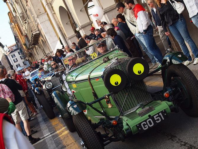 Mille Miglia 2012 - фестиваль старовинних автомобілів (15)