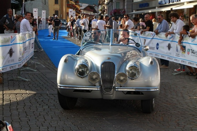 Mille Miglia 2012 - фестиваль старовинних автомобілів (14)