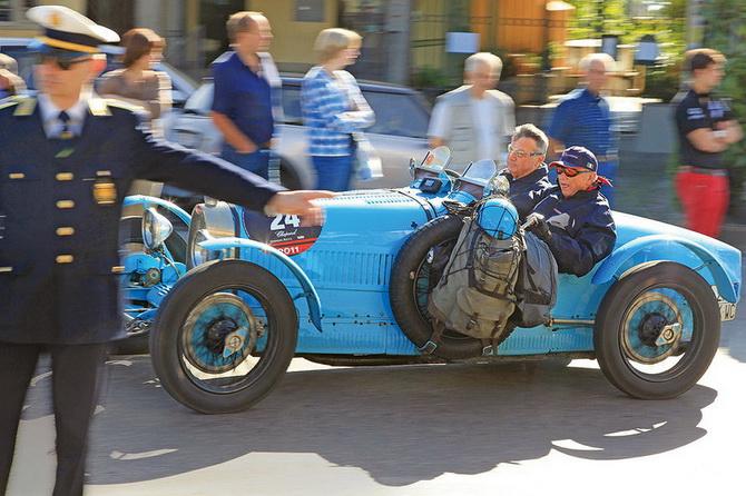 Mille Miglia 2012 - фестиваль старовинних автомобілів (13)