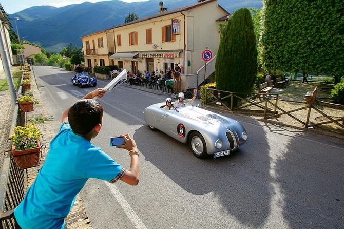 Mille Miglia 2012 - фестиваль старовинних автомобілів (12)