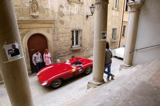 Mille Miglia 2012 - фестиваль старовинних автомобілів (16)