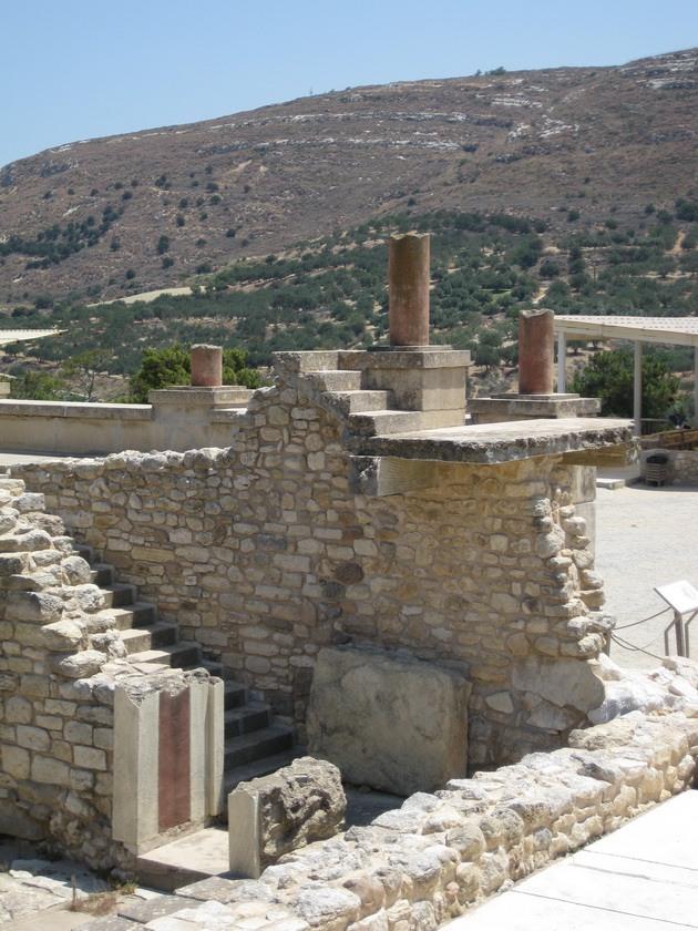 Палац царя Міноса Крит. Кносський палац - руїни величної споруди на острові Крит (4)