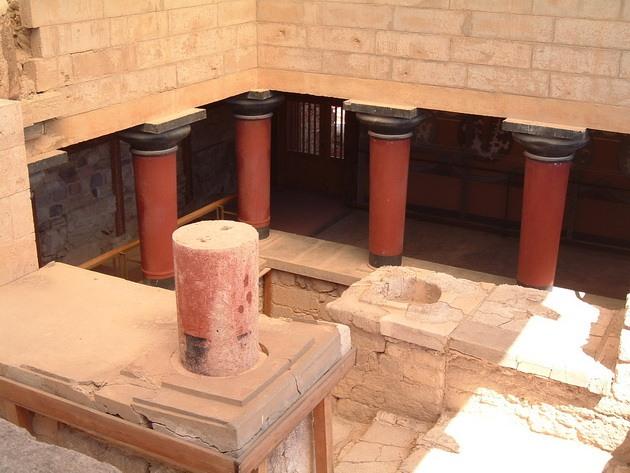 Палац царя Міноса Крит. Кносський палац - руїни величної споруди на острові Крит (3)