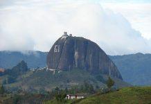 Скала Ель Пеньон де Гуатапе (8)