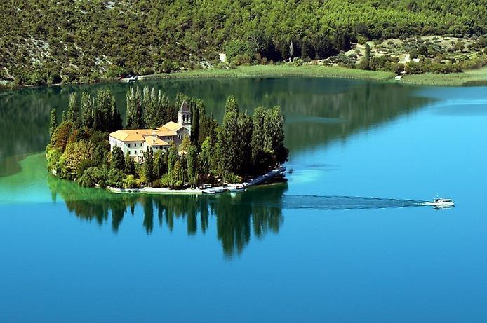 Острів Вісовац в Хорватії (9)