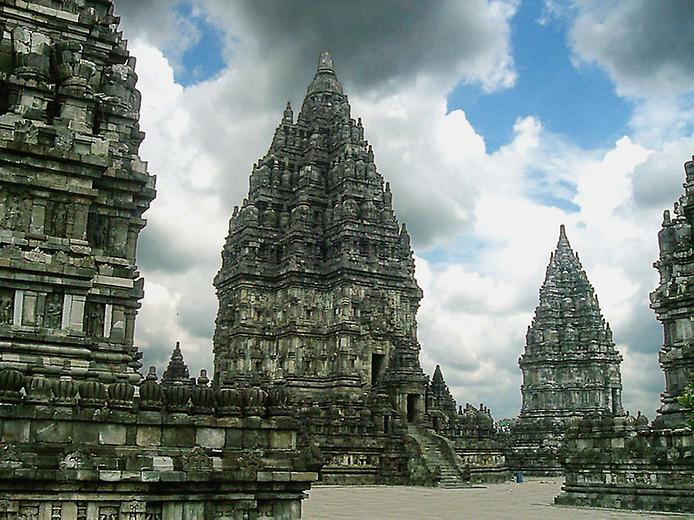 Стародавні храми Прамбанан на острові Ява (10)