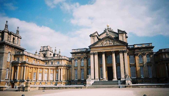 Дивовижний палац Бленхейм, родовий маєток герцогів Мальборо (6)