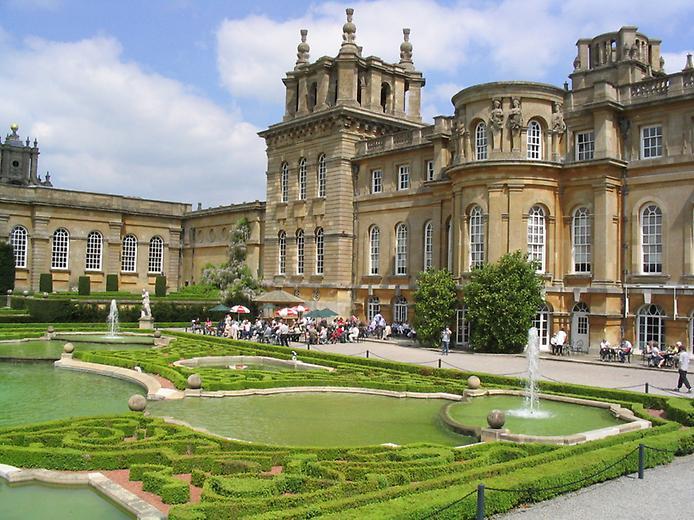 Дивовижний палац Бленхейм, родовий маєток герцогів Мальборо (3)