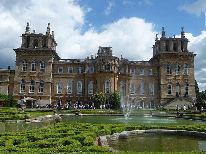 Дивовижний палац Бленхейм, родовий маєток герцогів Мальборо (2)
