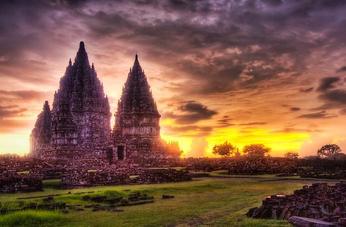Стародавні храми Прамбанан на острові Ява (4)