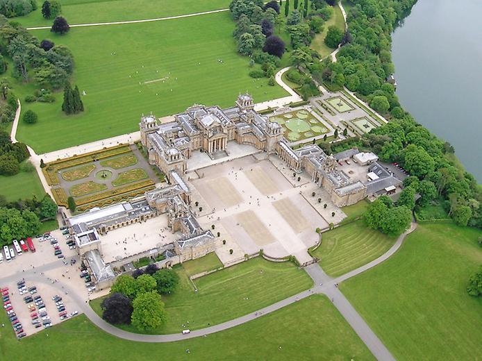 Дивовижний палац Бленхейм, родовий маєток герцогів Мальборо (1)