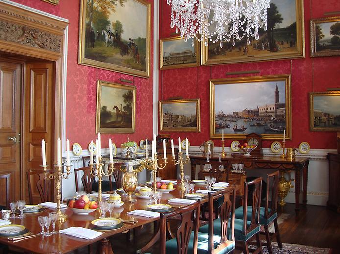 Касл-Ховард, або Замок Говардів, вважається самим пишним палацом Великобританії (8)