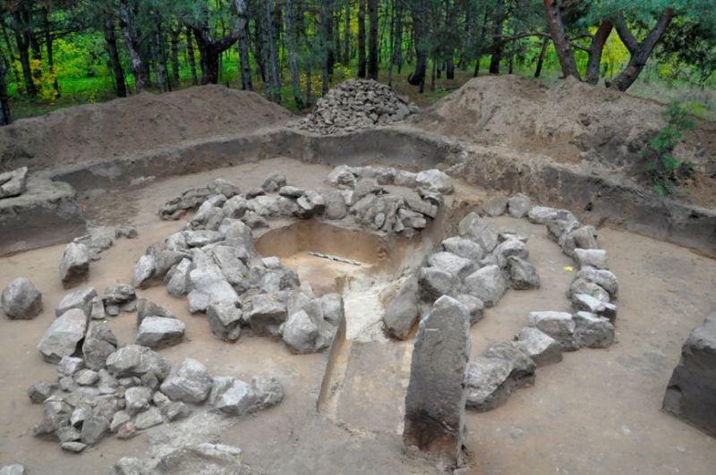 Розкопки кургану, знайденого у 2013 році фото: Михаїл Криволапов