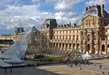 Лувр - головний будинок Парижа починаючи з 12 століття, колишня королівська резиденція, один з найстаріших, найбагатших і найбільших музеїв світу (1)