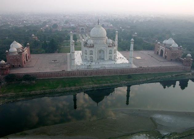 Тадж-Махал - «перлина Індії», «восьме диво світу», одна з найкрасивіших будівель у світі (3)
