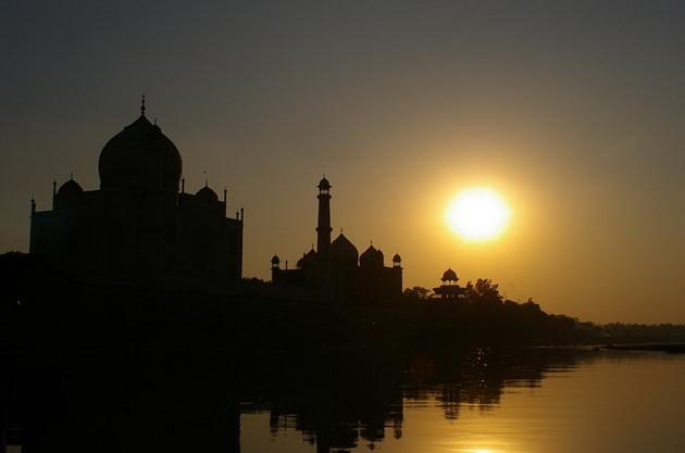 Тадж-Махал - «перлина Індії», «восьме диво світу», одна з найкрасивіших будівель у світі (1)