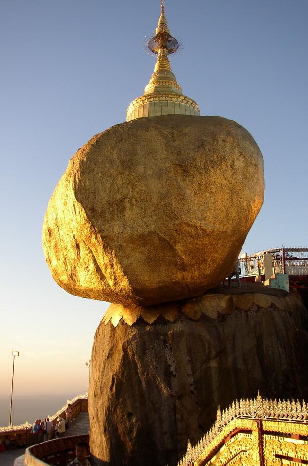 Золотий камінь Будди (2)