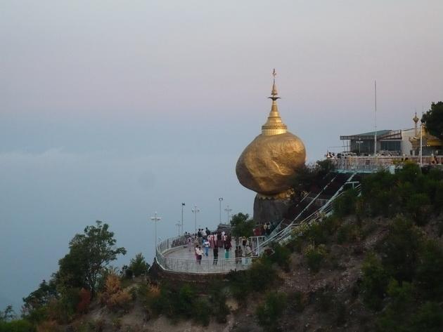 Золотий камінь Будди (5)