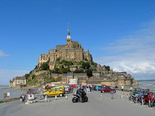Замок Мон-Сен-Мішель - один з найромантичніших замків старого світу (12)