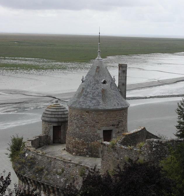 Замок Мон-Сен-Мішель - один з найромантичніших замків старого світу (14)