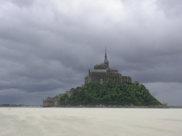 Замок Мон-Сен-Мішель - один з найромантичніших замків старого світу (16)