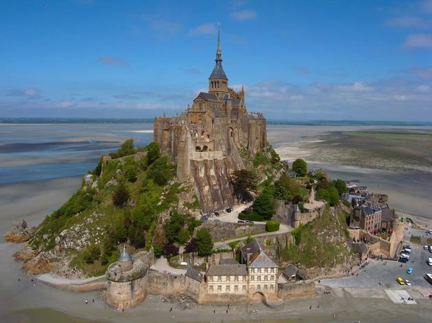 Замок Мон-Сен-Мішель - один з найромантичніших замків старого світу (2)