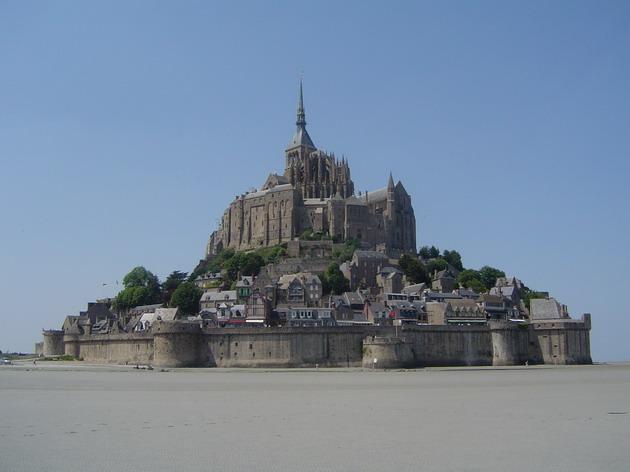 Замок Мон-Сен-Мішель - один з найромантичніших замків старого світу (8)