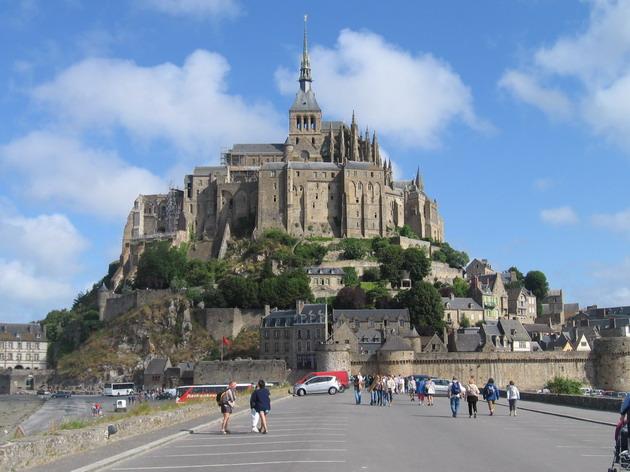 Замок Мон-Сен-Мішель - один з найромантичніших замків старого світу (3)