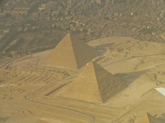 Піраміди Гізи та безмовний сфінкс (1)