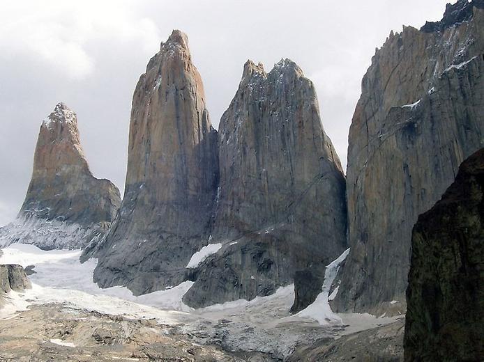 Гранітні шпилі Торрес-дель-Пайне (2)