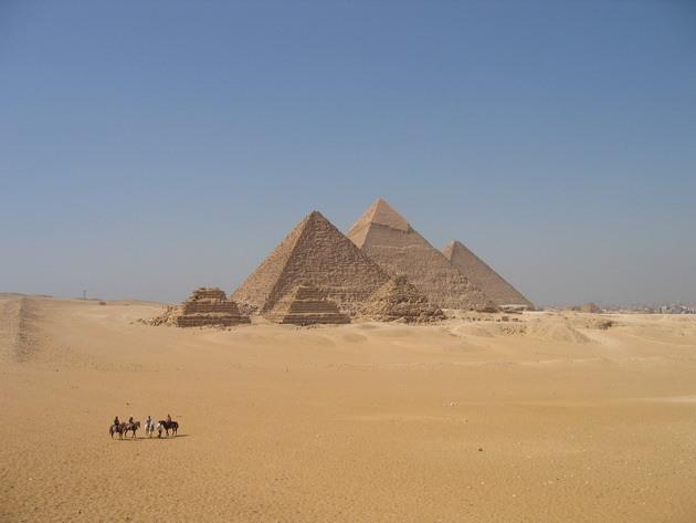 Піраміди Гізи та безмовний сфінкс (2)