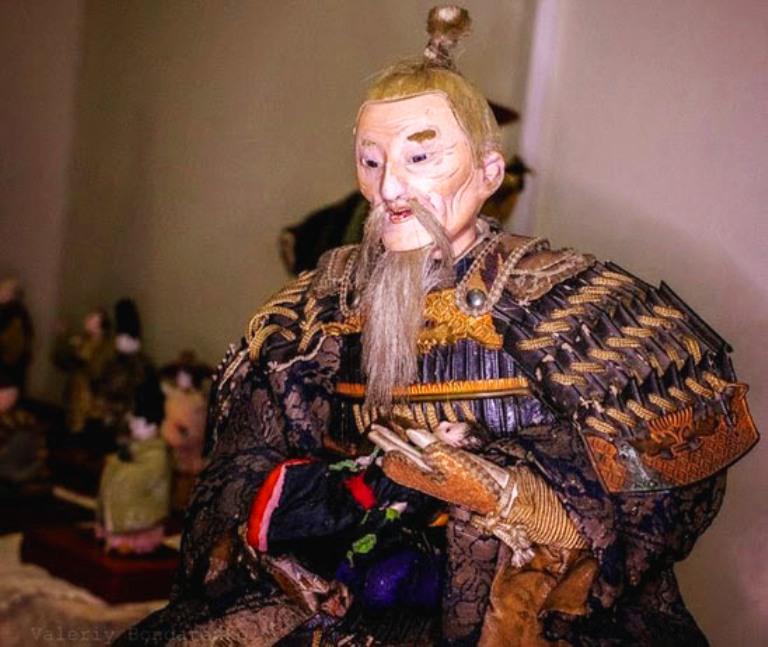 На виставці старовинних японських ляльок фото: meetin.com.ua