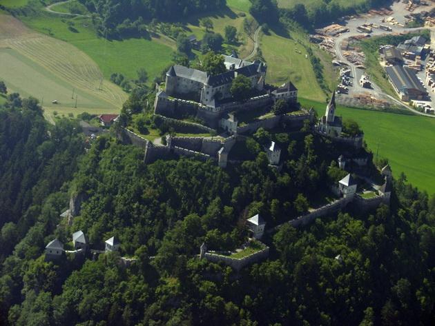 Замок Гохостервітц (1)