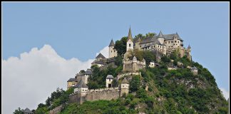 Замок Гохостервітц