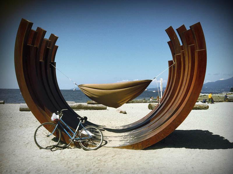 25 місць ідеальних для того, щоб полежати в гамаку (Англійська затока, Ванкувер, Канада. )