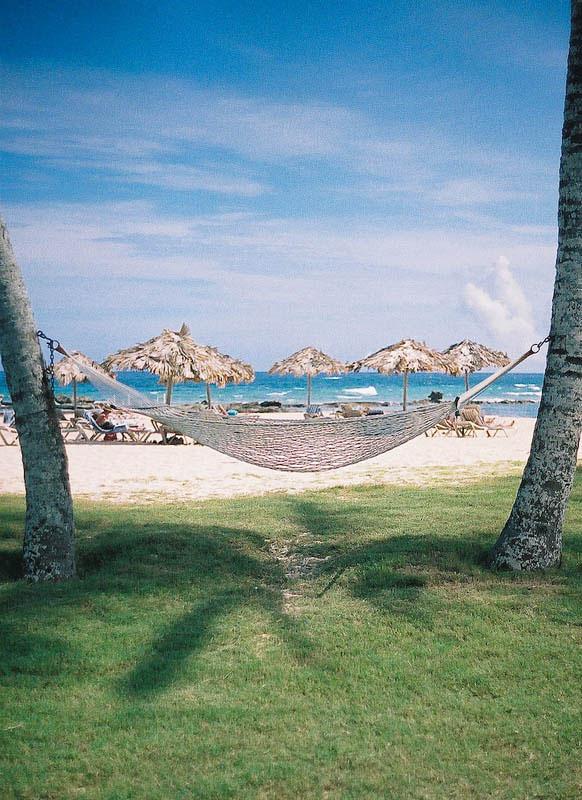 25 місць ідеальних для того, щоб полежати в гамаку (Бермуди. )