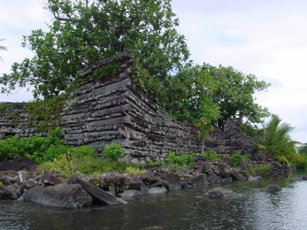 Таємниця стародавнього кам'яного міста Нан Мадол (3)