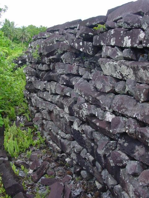 Таємниця стародавнього кам'яного міста Нан Мадол (4)
