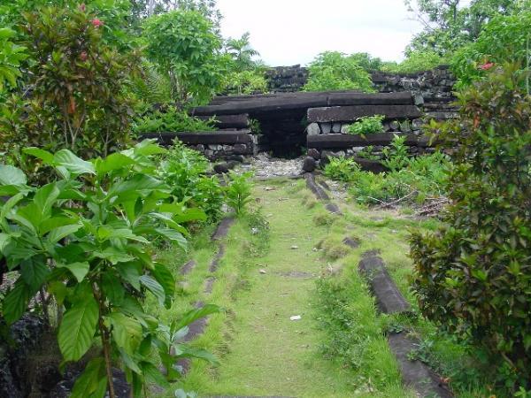 Таємниця стародавнього кам'яного міста Нан Мадол (7)