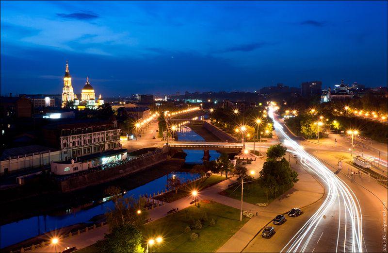 Харків - вид з дахів (Площа Рози Люксембург.)