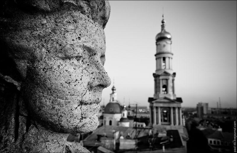 Харків - вид з дахів (Статуя «Робітник і колгоспниця».)