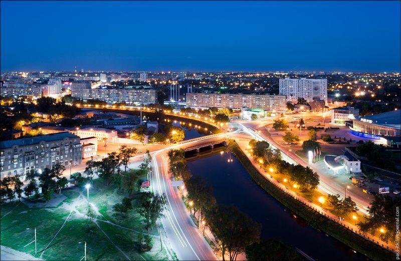 Харків - вид з дахів (Червоношкільна набережна.)