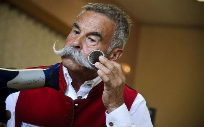 Вуса і борода - головне чоловіче достоїнство. Бородані на чемпіонаті у Франції (4)