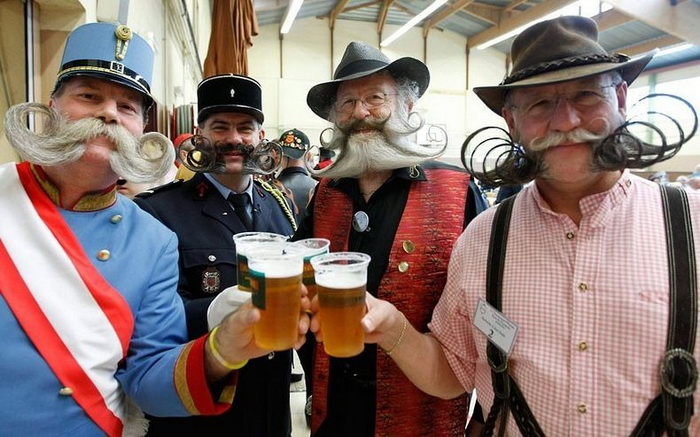 Вуса і борода - головне чоловіче достоїнство. Бородані на чемпіонаті у Франції (5)