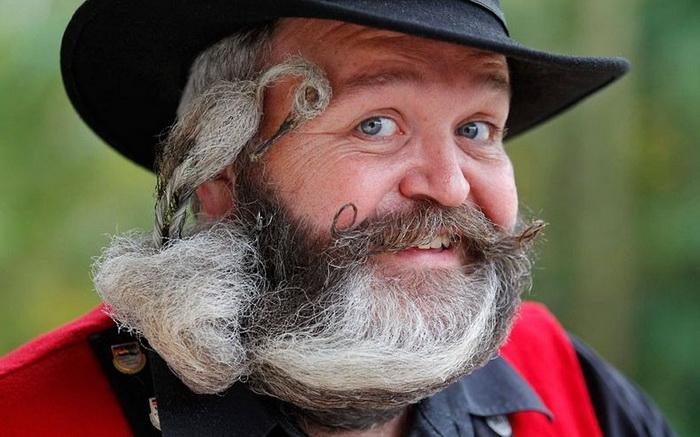 Вуса і борода - головне чоловіче достоїнство. Бородані на чемпіонаті у Франції (7)
