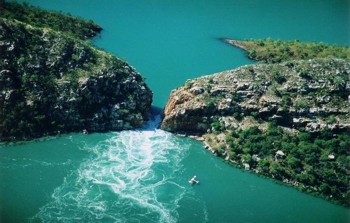 Горизонтальні водоспади - природний феномен Австралії (2)