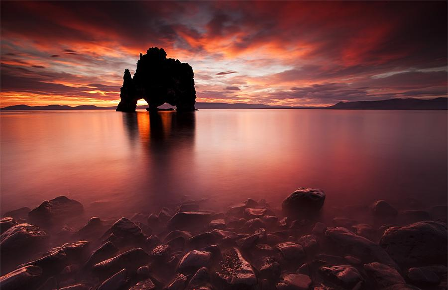Містична скеля Хвітсеркур (Hvitserkur) (11)