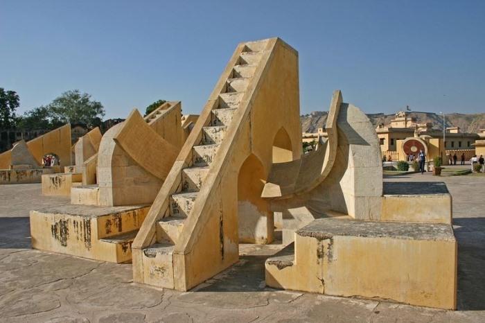 """Архітектурне диво: """"Jantar Mantars"""" - стародавній комплекс обсерваторій в Індії (1)"""